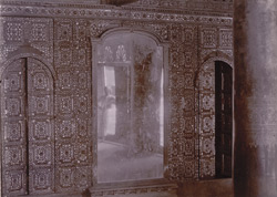 Chief Queen's apartments: interior view of glass mosaic wall, [Mandalay] 10041312